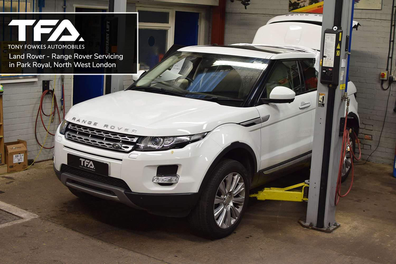Land Rover Servicing in Park Royal, North West London